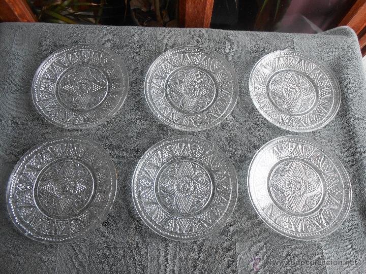 Antigüedades: 6 PLATOS DE POSTRE DE VIDRIO MOLDADO. POSIBLEMENTE. SANTA LUCIA CARTAGENA. - Foto 2 - 170280170