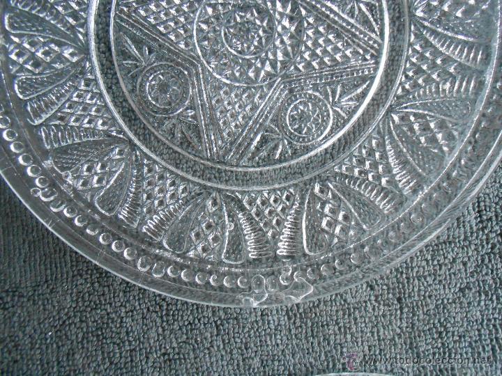 Antigüedades: 6 PLATOS DE POSTRE DE VIDRIO MOLDADO. POSIBLEMENTE. SANTA LUCIA CARTAGENA. - Foto 7 - 170280170