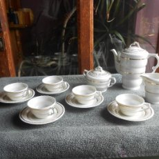 Antigüedades: ANTIGUO JUEGO DE CAFÉ, PORCELANA BLANCA Y DORADA. SANTA CLARA DE VIGO. Lote 48670610