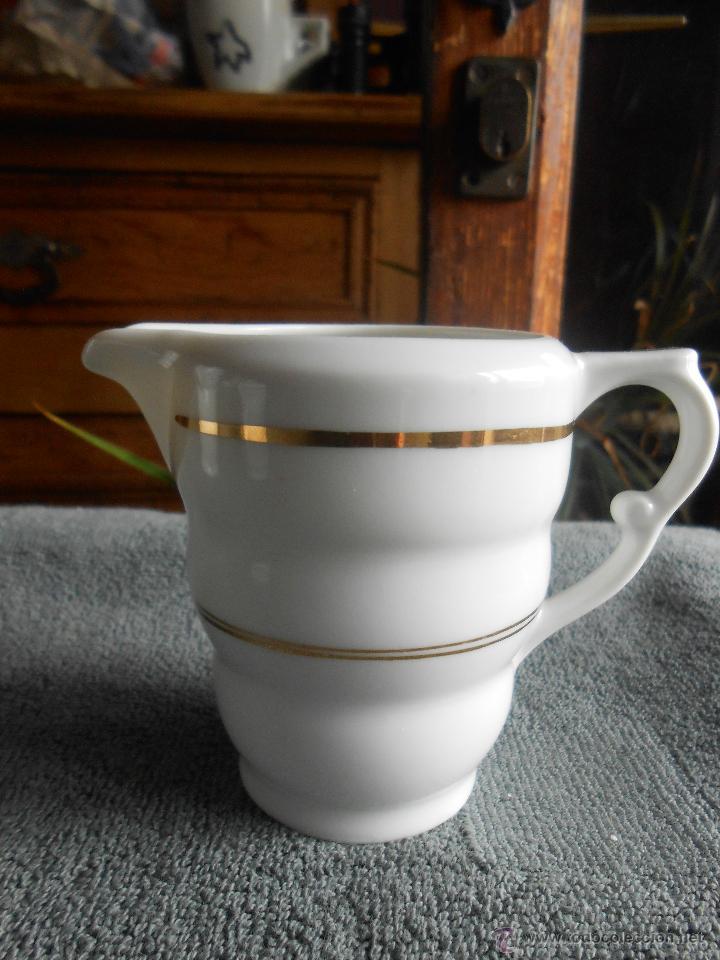 Antigüedades: ANTIGUO JUEGO DE CAFÉ, PORCELANA BLANCA Y DORADA. SANTA CLARA DE VIGO - Foto 12 - 48670610