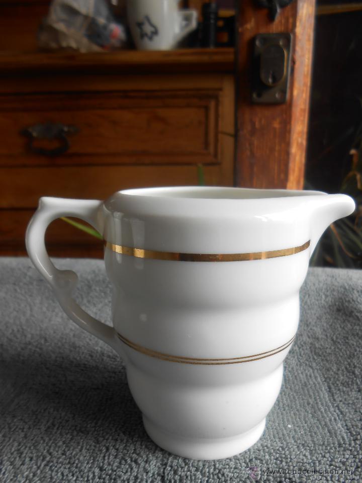 Antigüedades: ANTIGUO JUEGO DE CAFÉ, PORCELANA BLANCA Y DORADA. SANTA CLARA DE VIGO - Foto 13 - 48670610