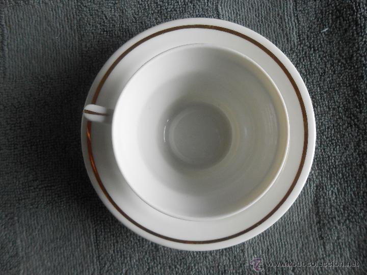 Antigüedades: ANTIGUO JUEGO DE CAFÉ, PORCELANA BLANCA Y DORADA. SANTA CLARA DE VIGO - Foto 17 - 48670610