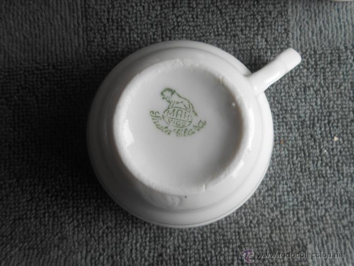 Antigüedades: ANTIGUO JUEGO DE CAFÉ, PORCELANA BLANCA Y DORADA. SANTA CLARA DE VIGO - Foto 19 - 48670610