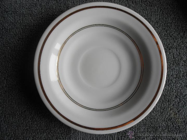 Antigüedades: ANTIGUO JUEGO DE CAFÉ, PORCELANA BLANCA Y DORADA. SANTA CLARA DE VIGO - Foto 20 - 48670610