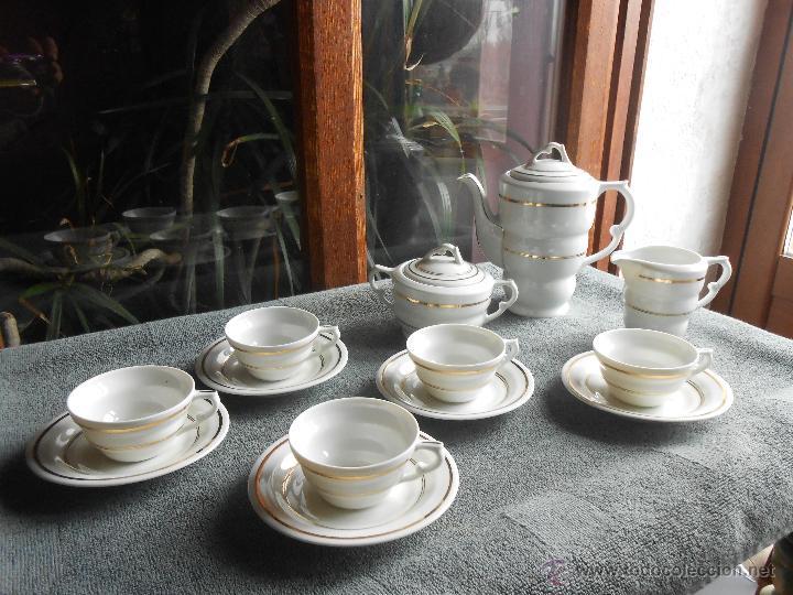 Antigüedades: ANTIGUO JUEGO DE CAFÉ, PORCELANA BLANCA Y DORADA. SANTA CLARA DE VIGO - Foto 22 - 48670610