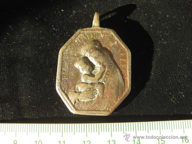 ANTIGUA MEDALLA EN BRONCE DE SANTA BÁRBARA, PATRONA DE LA ARTILLERÍA Y NTRA. SRA. DE BELÉN. S. XVIII (Antigüedades - Religiosas - Medallas Antiguas)