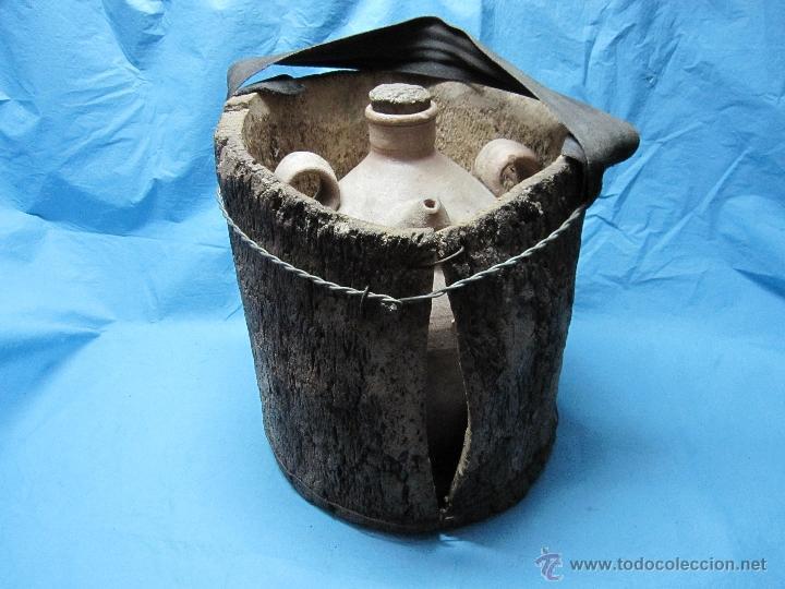 Antigüedades: ANTIGUO BUCARO BOTIJO PORRON PIEZA DE MUSEO ETNOGRAFICA CON AISLANTE CORCHO - Foto 4 - 48702967