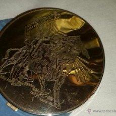 Antigüedades: ESPECTACULAR POLVERA DORADA CON GRABADO DEL TORERO MANOLETE.. Lote 43228273