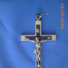 Antigüedades: ANTIGUO CRUCIFIJO EN METAL Y MADERA -. Lote 48727172