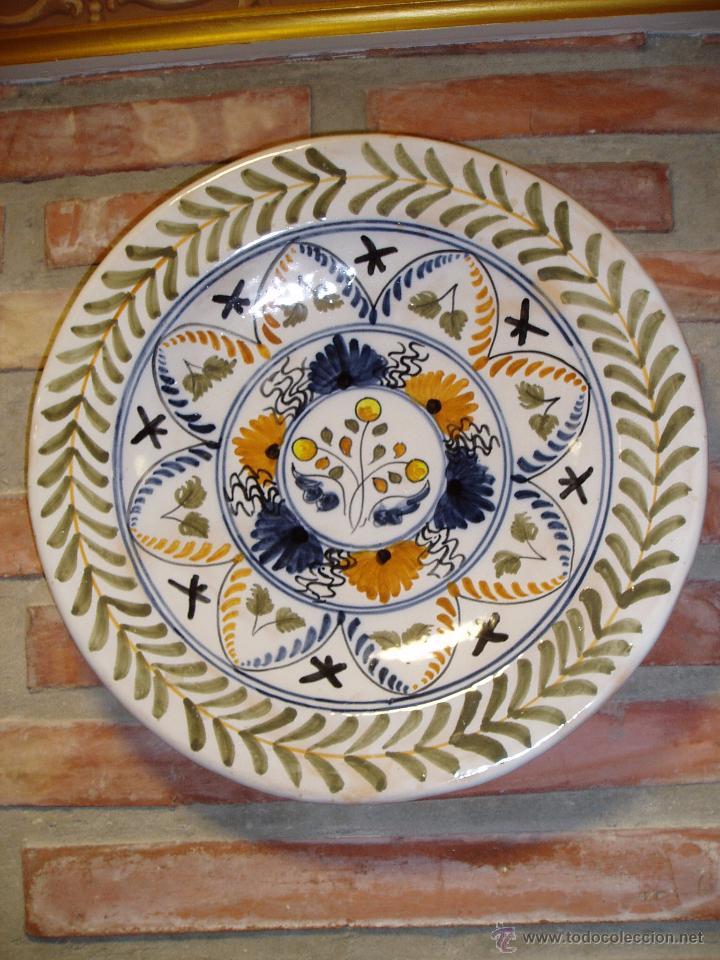 PLATO DE PORCELANA DE TALAVERA. NÚMERADO (Antigüedades - Porcelanas y Cerámicas - Talavera)