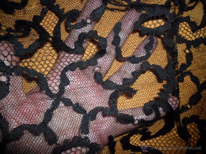 Antigüedades: Antigua mantilla bordada - Foto 11 - 174415862