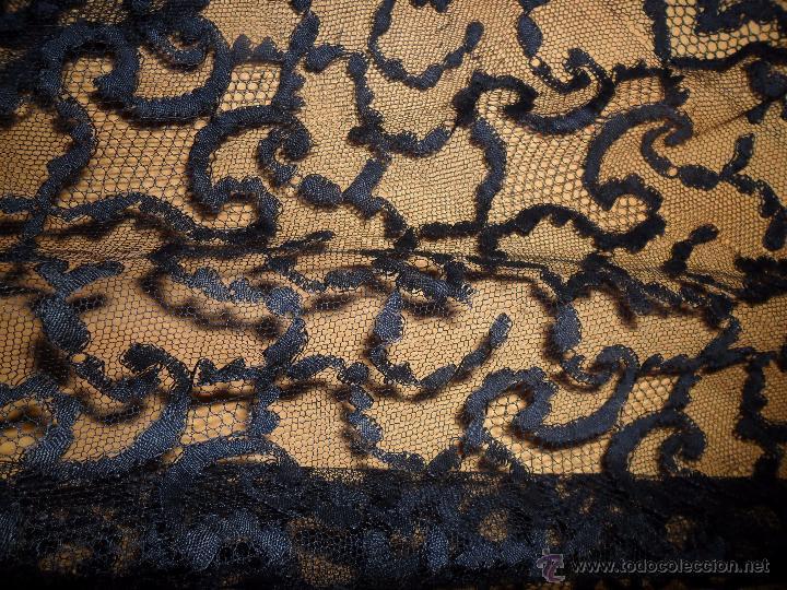 Antigüedades: Antigua mantilla bordada - Foto 12 - 174415862