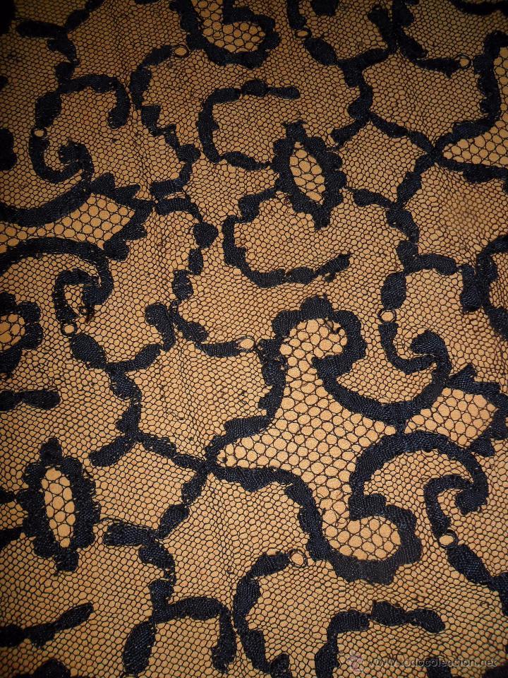 Antigüedades: Antigua mantilla bordada - Foto 13 - 174415862