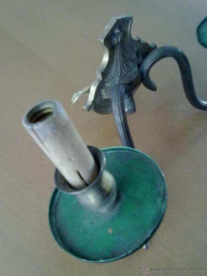 Antigüedades: LAMPARA APLIQUE DE PARED DE METAL DOS CANDELABROS DE MADERA (ELECTRICA) - Foto 4 - 48754805