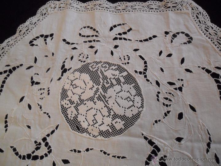 Antigüedades: Tapete bordado siglo XIX - Foto 6 - 48773953