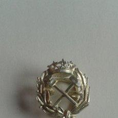 Antigüedades: PIN OJAL PLATA DE LEY PROFESIÓN CARRERA INGENIERO DE CAMINOS. Lote 48779763