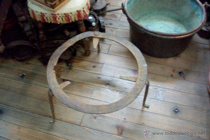 Antigüedades: ANTIGUA OLLA O CALDERO DE COBRE TALLADA CON PIE-SIGLO XIX - Foto 6 - 48823689