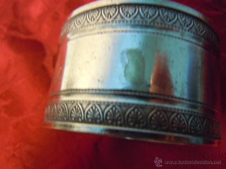 Antigüedades: SERVILLETERO ANTIGUO METAL PLATEADO GRABADO CON EL NOMBRE - MIGUEL CARLOS - - Foto 3 - 48838014