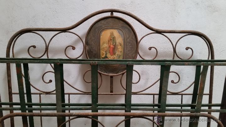 ANTIGUA CAMA ISABELINA DE FORJA ARTESANAL SIN SOLDADURAS, TODO ECHO A MANO CON REMACHES PRECIOSA (Antigüedades - Muebles Antiguos - Camas Antiguas)