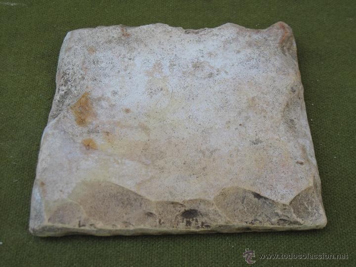Antigüedades: AZULEJO ANTIGUO DE TALAVERA / TOLEDO - SIGLO XVII. TECNICA PINTADA, LISA O PLANA. - Foto 3 - 48858993