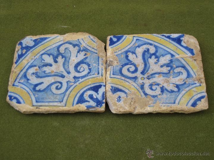 Lote de dos azulejos antiguos de talavera de la comprar for Azulejos clasicos