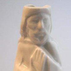 Antigüedades: CERAMICA BLANCA APOSTOL. CASTRO SARGADELOS . BASE INCISA DOLMEN.. Lote 48866923