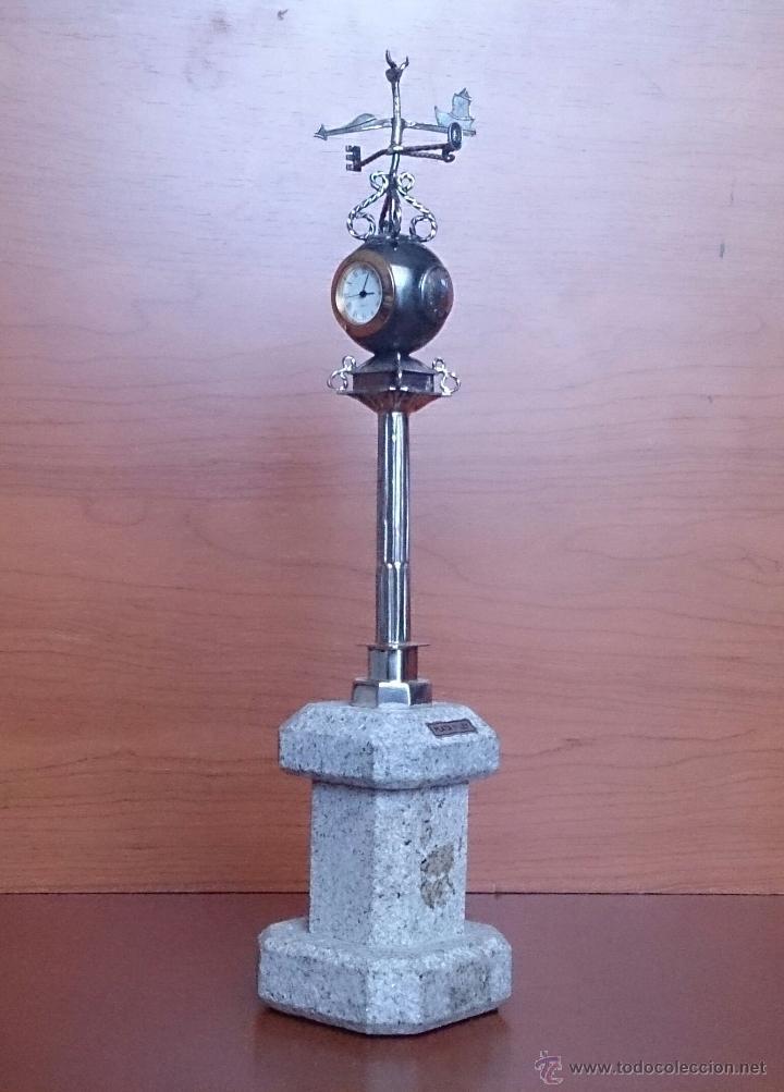 Antigüedades: Original escultura de reloj en plata de ley sobre peana de mármol , esfera de bronce y cristal . - Foto 2 - 48891065