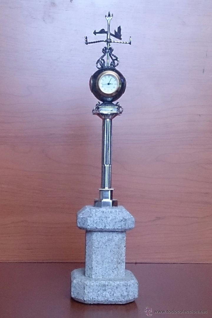 Antigüedades: Original escultura de reloj en plata de ley sobre peana de mármol , esfera de bronce y cristal . - Foto 9 - 48891065