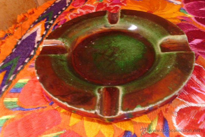 CENICERO MENSAQUE RODRIGUEZ Y CIA REFLEJOS DORADOS TRIANA (Antigüedades - Porcelanas y Cerámicas - Triana)