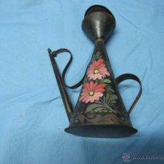 Antigüedades: ANTIGUA ACEITERA AÑOS 50 DECORADA CON FLORES. Lote 48949798