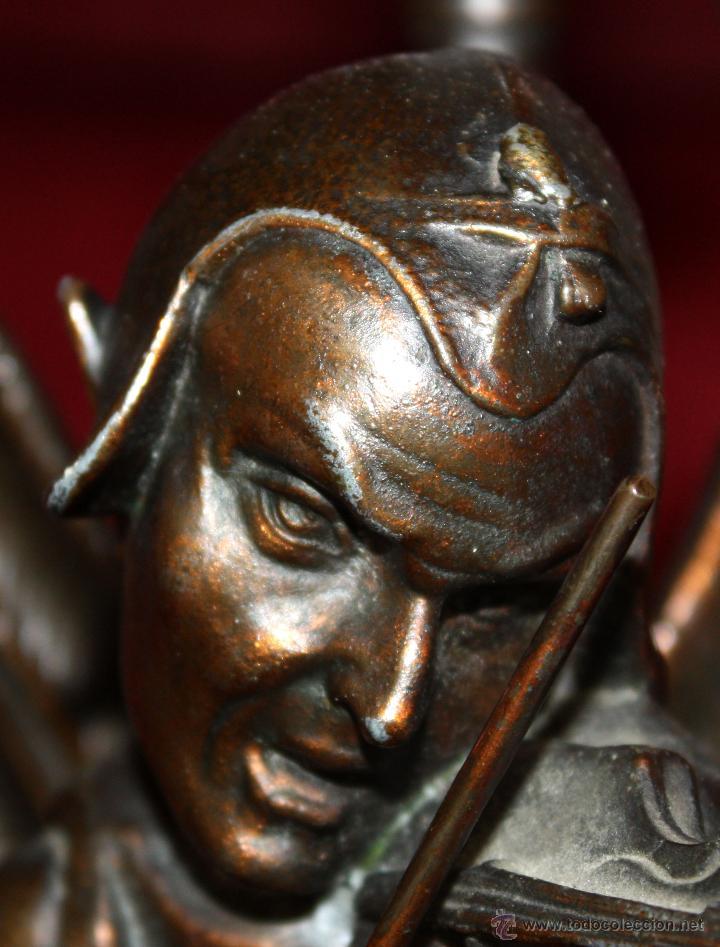 Antigüedades: PAREJA DE CANDELEROS EN CALAMINA DEL ULTIMO TERCIO DEL SIGLO XIX - Foto 10 - 48955413
