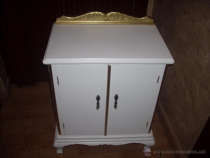 mesita de noche restaurada de los años 40 en bl - Comprar Muebles ...