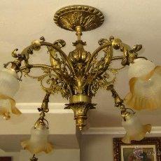 Antigüedades: MARAVILLOSA LAMPARA DE BRONCE CINCELADO . Lote 49014992