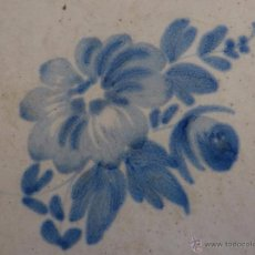 Antigüedades: AZULEJO FLOR DE ALCORA-SIGLO XVIII,IXX-ORIGINAL. Lote 49023505