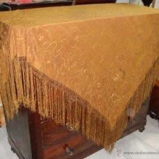 Antigüedades: ANTIGUO MANTON DE MANILA. SEDA. BORDADO A DOBLE CARA. CON MOTIVOS ORIENTALES. (2,10 M). Lote 49031073