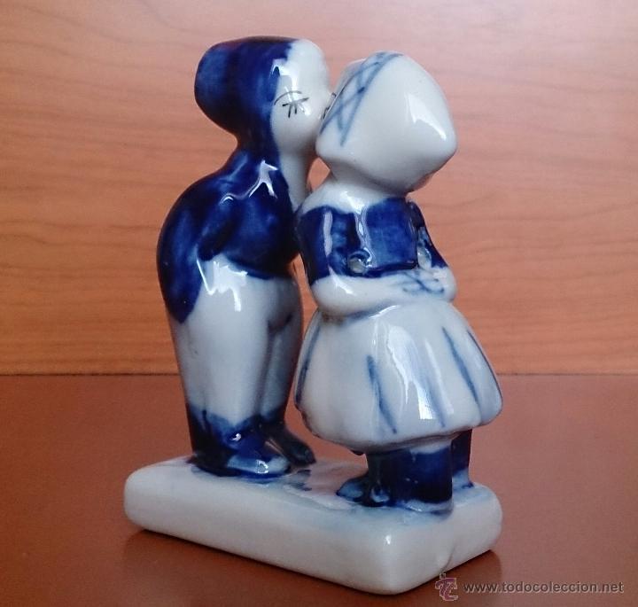 Antigüedades: Antigua figura de pareja de Holandeses en porcelana . - Foto 6 - 49033703