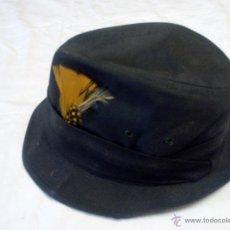 Antigüedades: SOMBRERO DE CAZA UNITED HATTERS CAP MILLINERY W X RS INT UNION.TEJIDO Y PLUMAS. Lote 55320956