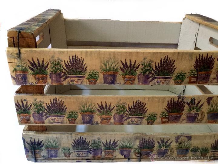 antigua caja de frutas decorada con lavandas r Comprar Cajas