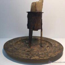 Antigüedades: PORTAVELAS O CANDELABRO HIERRO FORJADO.. Lote 49077000