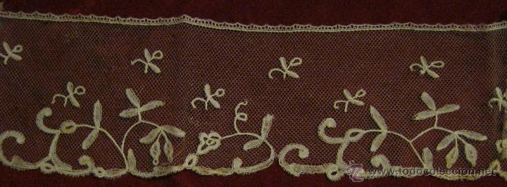 ANTIGUO ENCAJE DE BRUSELAS S. XIX (Antigüedades - Moda - Encajes)