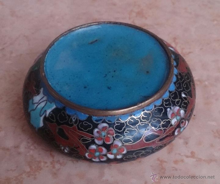 Antigüedades: Cenicero antiguo chino en bronce y cloisonne con motivos orientales . - Foto 8 - 49092432
