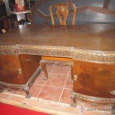 Antigüedades: FÁNTASTICO DESPACHO CHAPADO EN CAOBA COMPUESTO POR MESA, SILLÓN Y DOS SILLAS.. Lote 27142070