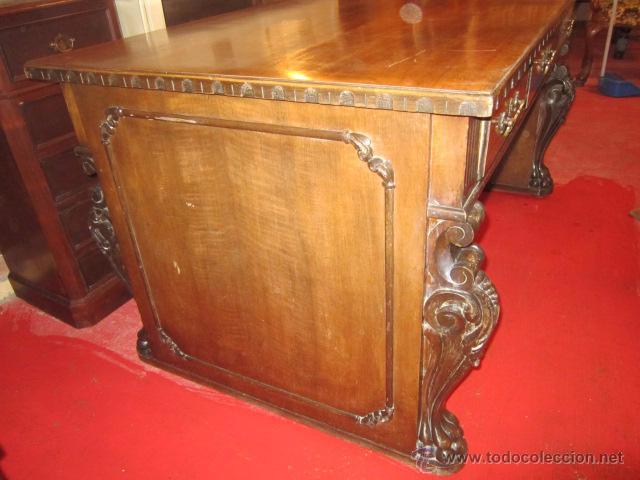 Antigüedades: Fantástica mesa de despacho con talla en las patas. Con sillón a juego - Foto 2 - 49127199