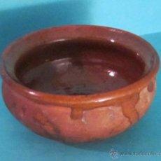 Antigüedades: PEQUEÑA CUAZUELA DE BARRO COCIDO ESMALTADO EN SU PARTE INTERIOR. ALTURA 5 CM BOCA 9 CM. Lote 49129655