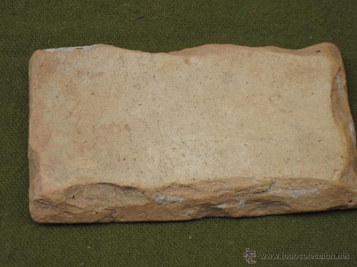 Antigüedades: AZULEJO ANTIGUO DE TALAVERA O TOLEDO. TECNICA PINTADA, LISA O PLANA. SIGLO XVI-XVII. - Foto 3 - 49146390