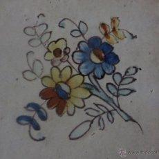 Antigüedades: AZULEJO FLOR DE ALCORA-SIGLO XVIII,ORIGINAL. Lote 49150628