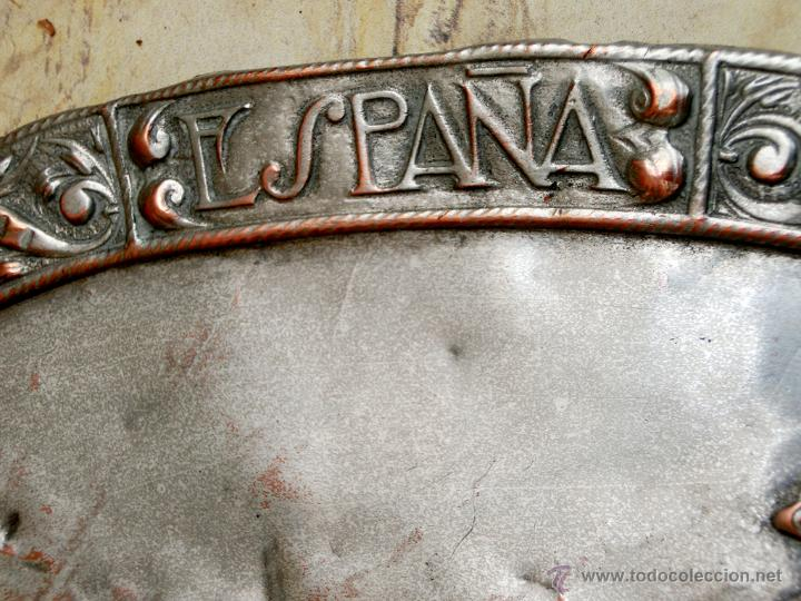 Antigüedades: ANTIGUA PLANCHA RELIGIOSA DE COBRE/LATÓN REPUJADO MONUMENTO SAGRADO CORAZÓN DE JESÚS REINO DE ESPAÑA - Foto 11 - 49162772