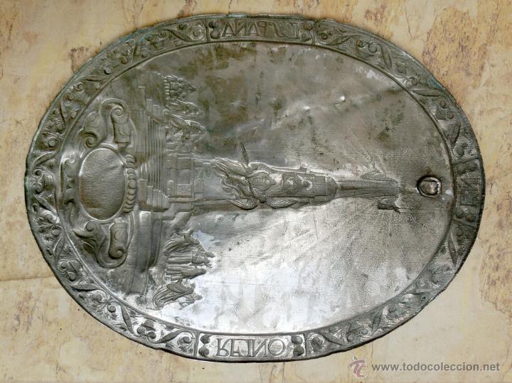 Antigüedades: ANTIGUA PLANCHA RELIGIOSA DE COBRE/LATÓN REPUJADO MONUMENTO SAGRADO CORAZÓN DE JESÚS REINO DE ESPAÑA - Foto 12 - 49162772