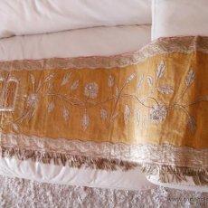 Antigüedades: FRONTAL DE ALTAR BORDADO EN PLATA. Lote 49193816