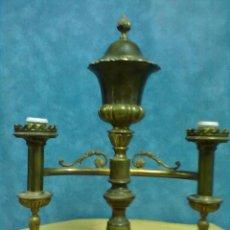 Antigüedades: PESADA LAMPARA BRONCE SOBREMESA DESPACHO PARA RESTAURAR. Lote 49216008